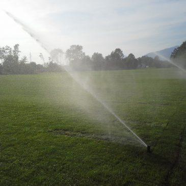 Namakalni sistemi za nogometna igrišča (opis dveh različnih izvedb)