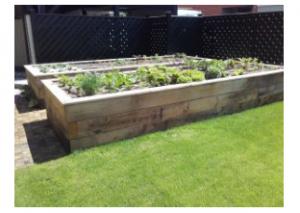 Kapljično namakanje zelenjavne grede
